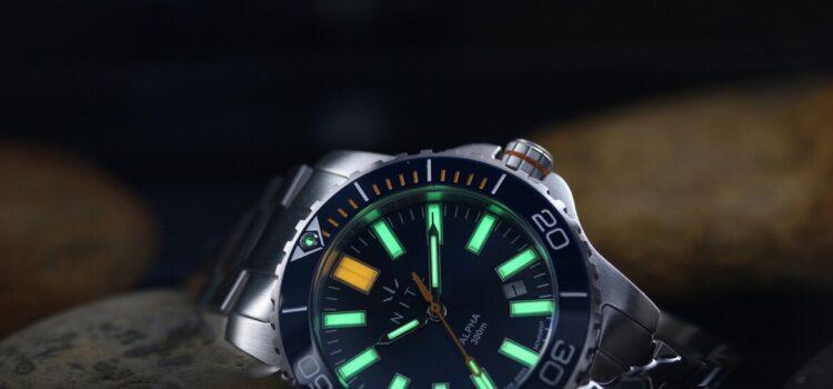 Orologio con illuminazione GTLS